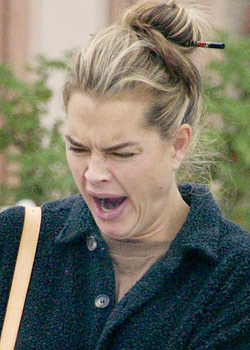 Brooke Shields - Celebrities yawning